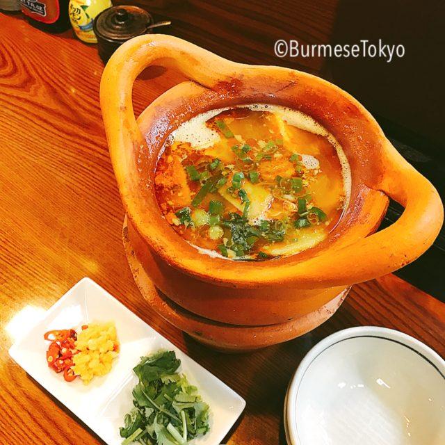 ゴールデンバガン の名物豚と発酵たけのこのスープ