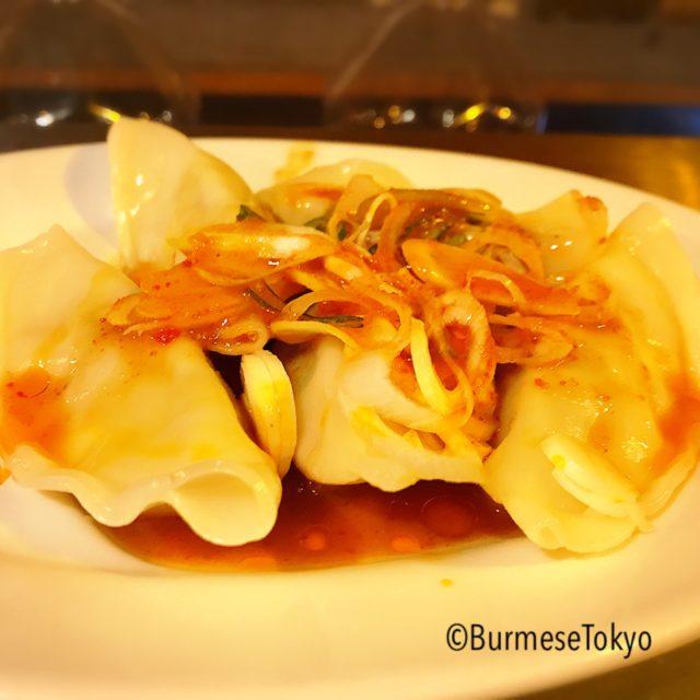 麺屋桔梗の看板メニュー水餃子(190円)