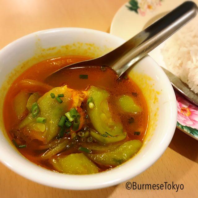 アジアレストランの付け合わせスープ