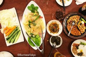 ミャンマー料理春雨の炒め「チャーザンヒン」もさっぱりで美味しい!