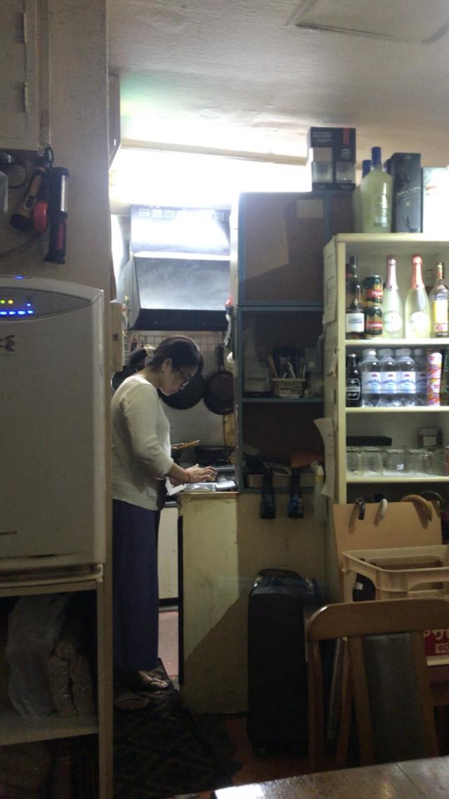 ミャンマー料理店MMの店内