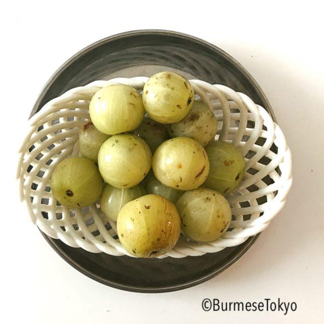 ミャンマー野菜:ユカン(アムラAMLA)