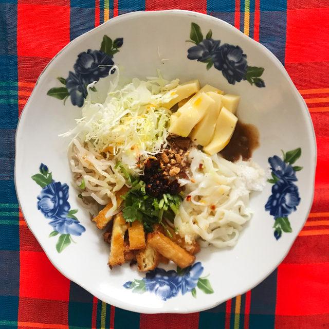 トーフ和え麺サラダ(モンパウンットゥ)