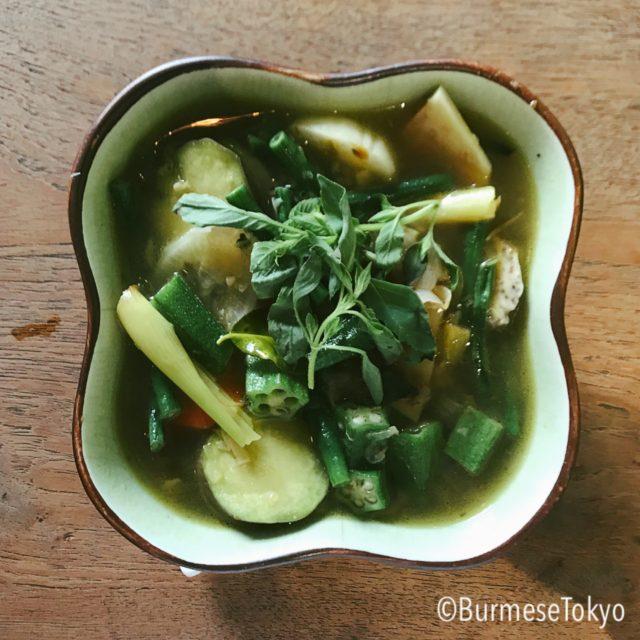 モン族料理Jana Monの野菜のスープ