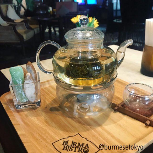 Burma Bistroの紅茶セット