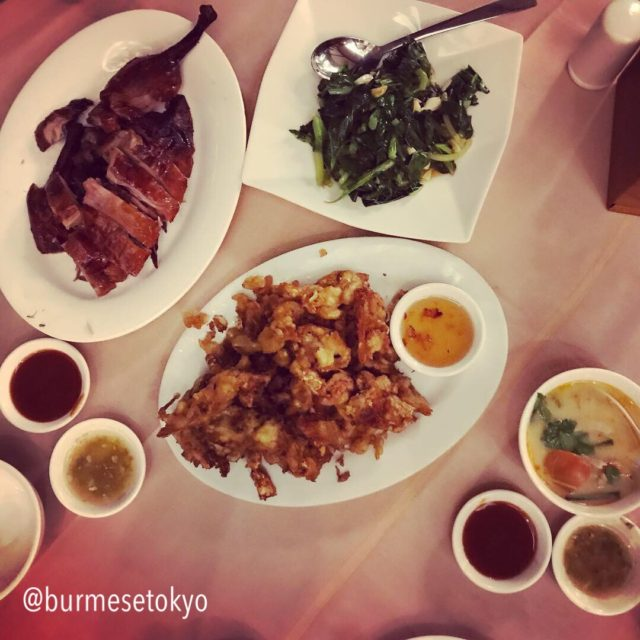 ヤンゴンの有名中華料理店「Golden Duck」