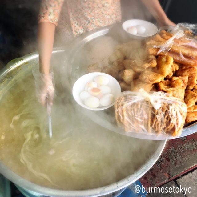 Daw Myo Mohingaのスープ