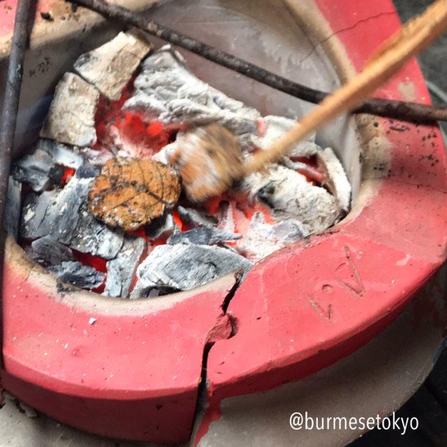ミャンマーの納豆料理作り