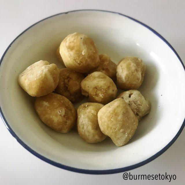 ミャンマーのやし砂糖(タニェ)