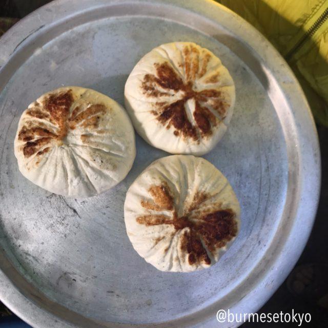 アウンバンの五日市で売っていたミャンマーのチーズ