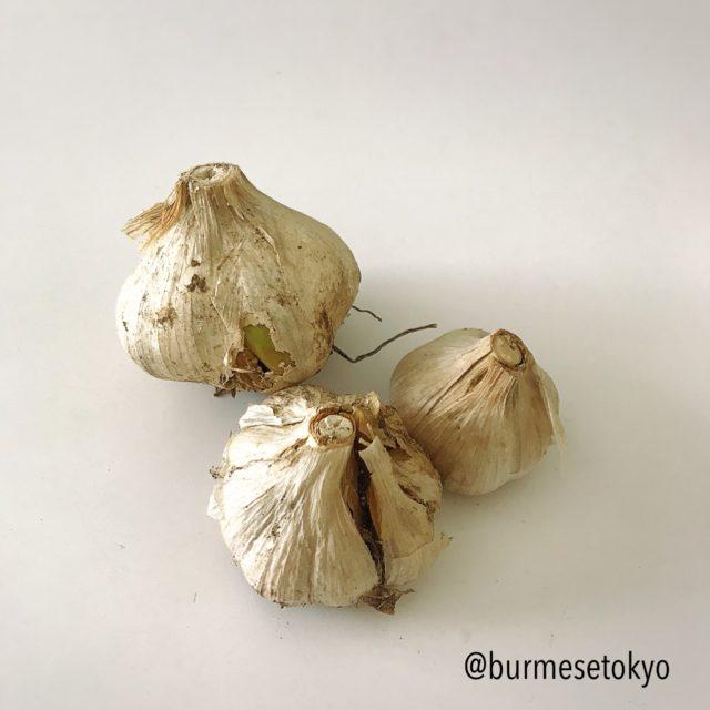 ミャンマー野菜:にんにく(チェットンピュー)