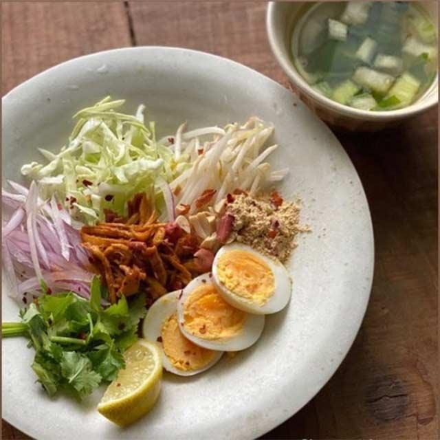 ラペ子のミャンマー料理教室生徒出来上がり写真(ナンジートウッ)