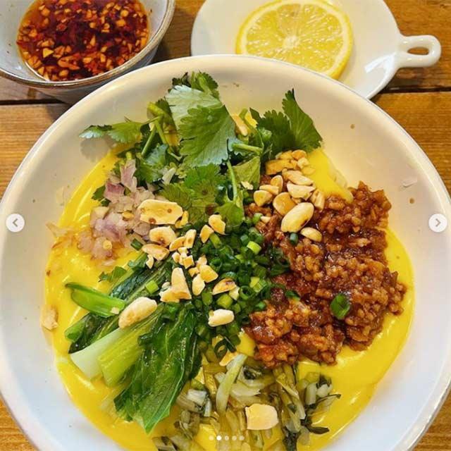 ラペ子のミャンマー料理教室生徒出来上がり写真(トーフヌェ)