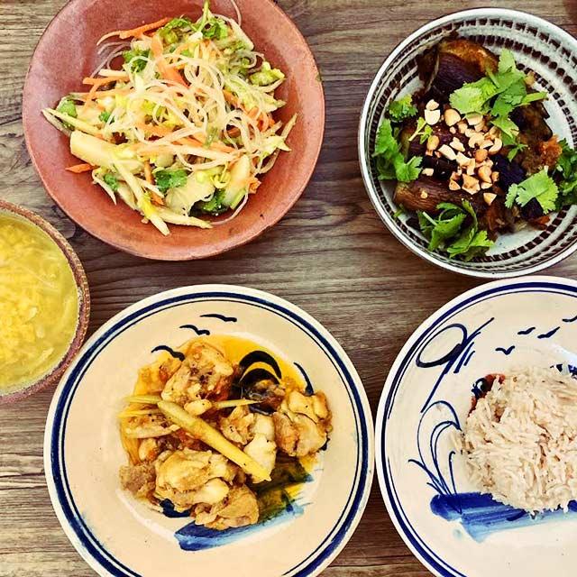 ラペ子のミャンマー料理教室参加者の出来上がり写真(ビルマ料理)