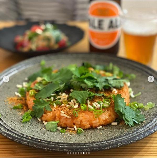 ラペ子のミャンマー料理教室参加者出来上がり写真(根ニラ&納豆シャン料理)