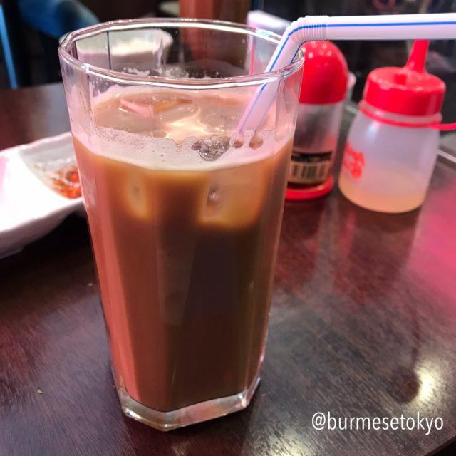 Nway Oo (ヌエウー)でランチについてくるコーヒー
