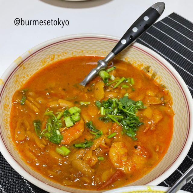 ロヒンギャ料理〜豆とエビの煮込み